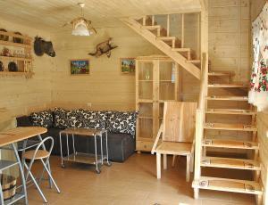 Góralski domek- schody do sypialni