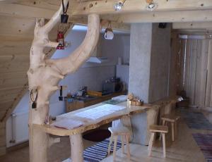 Fragment aneksu kuchennego w domku góralskim