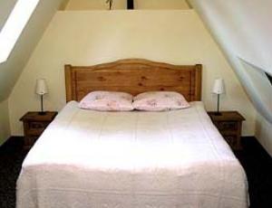łoże w apartamencie w centrum Zakopanego