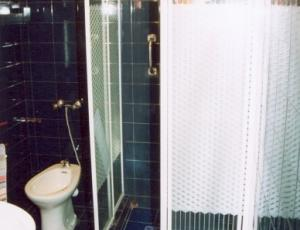 łazienka dla pokoju dwu osobowego
