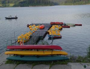 Rekreacja wodna wypozyczalnia rowerów wodnych Jezioro Czorsztyńskie