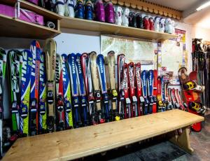 narty i snowboardy  do wypożyczenia Zakopane Slalom